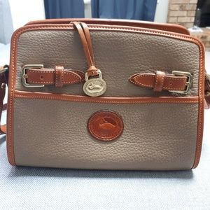 Dooney&bourke weather leather women crossbody bag.